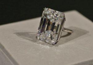 635652127816015750-AP-White-Diamond.1